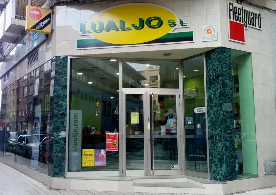 Fachada de Lualjo en Gijón